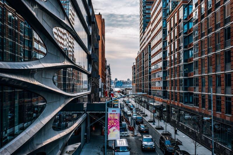 Gatasikt av den västra 28th gatan i Chelsea New York City royaltyfri foto