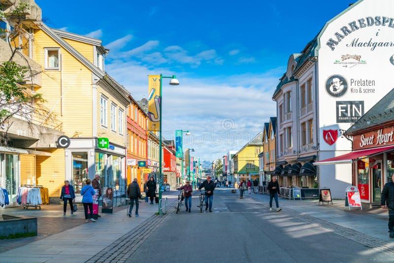 Gatasikt av Tromso, Norge royaltyfri bild