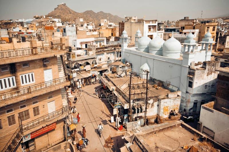 Gatasikt från bästa punkt och historiska hus av den indiska staden fotografering för bildbyråer