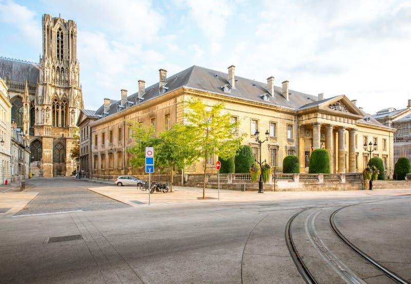 Gatasikt i den Reims staden, Frankrike royaltyfri bild