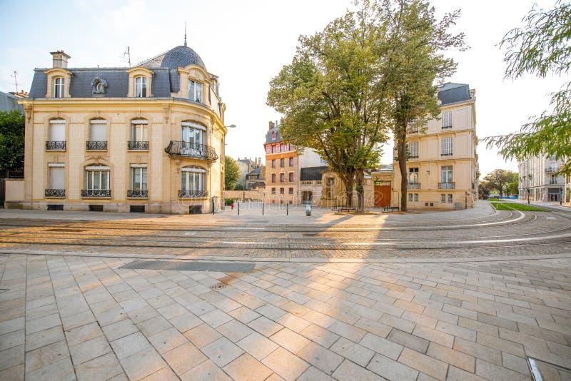Gatasikt i den Reims staden, Frankrike royaltyfri foto