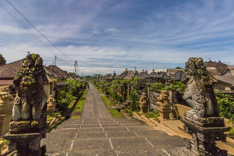 Gatasikt i Penglipuran- Bali, Indonesien royaltyfria bilder