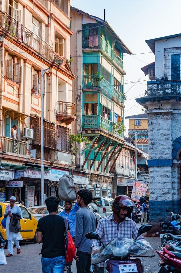 Gatasikt nära Grant Road Mumbai, Indien royaltyfria bilder