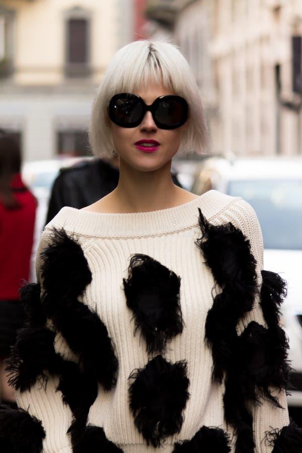 Gatastil: Milan Fashion Week Autumn /Winter 2015-16 arkivbild
