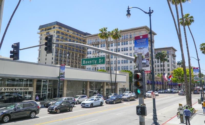 Gatatecken Beverly Drive på den Wilshire blvden - LOS ANGELES - KALIFORNIEN - APRIL 20, 2017 royaltyfri bild