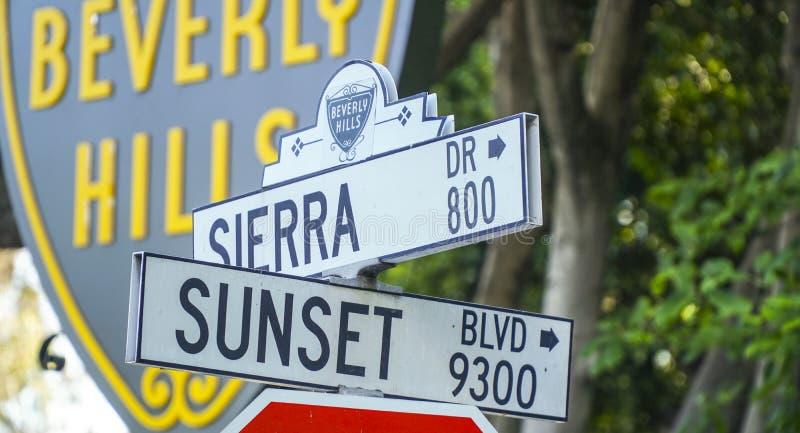 Gatatecken på Beverly Hills - LOS ANGELES - KALIFORNIEN - APRIL 20, 2017 royaltyfria bilder