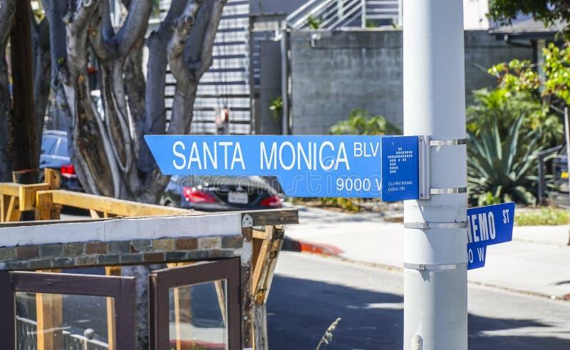 Gatatecken Santa Monica Blvd i Beverly Hills - LOS ANGELES - KALIFORNIEN - APRIL 20, 2017 royaltyfria foton