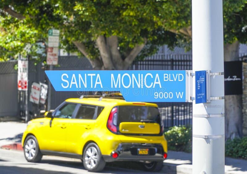 Gatatecken Santa Monica Blvd i Beverly Hills - LOS ANGELES - KALIFORNIEN - APRIL 20, 2017 arkivbilder