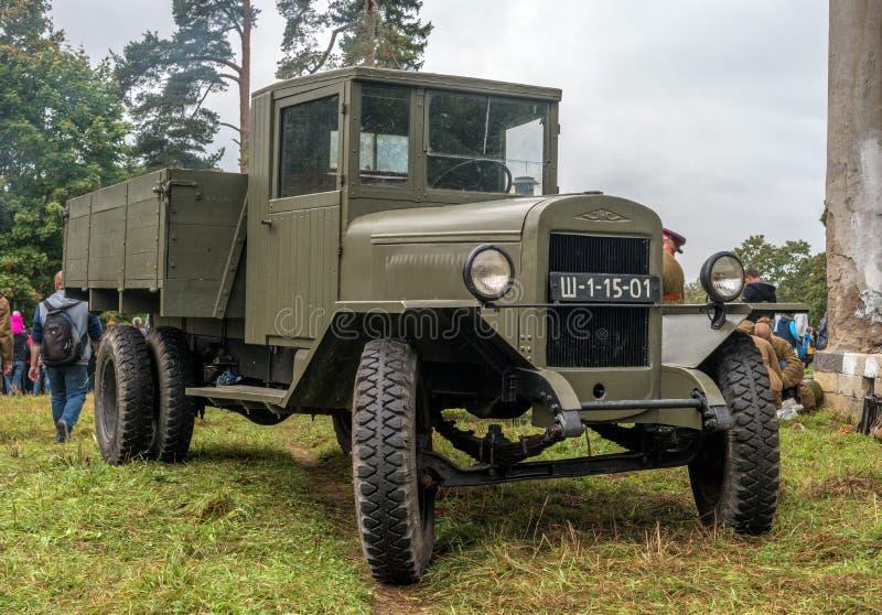 Gatchina,俄罗斯- 2016年9月11日:二战的历史重建 卡车Zis-5 免版税库存照片