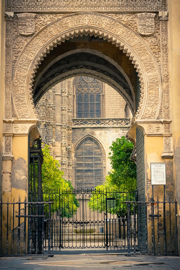 Download Gate To La Giralda In Sevilla Stock Image - Image: 26799471