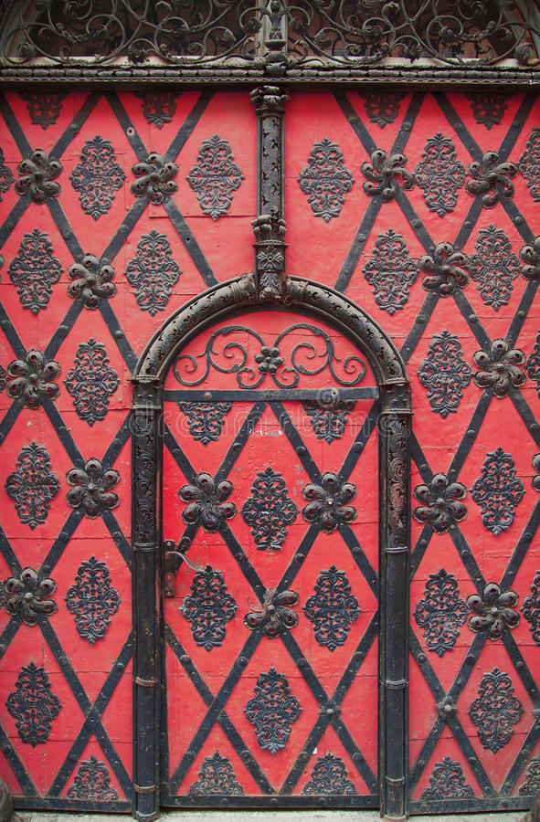 Free Gate With Ornaments Royalty Free Stock Images - 30640099