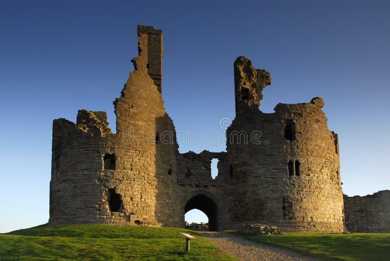 Gatehouse do castelo de Dunstanburgh imagens de stock