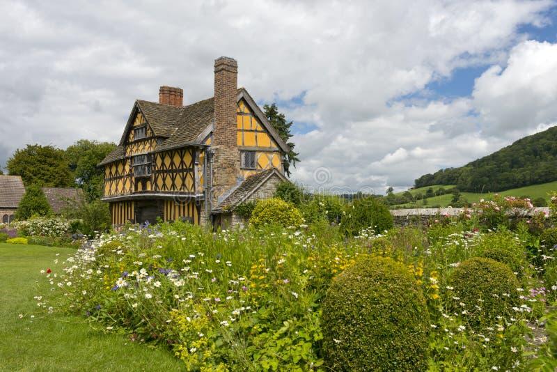 Gatehouse do castelo de Stokesay fotos de stock