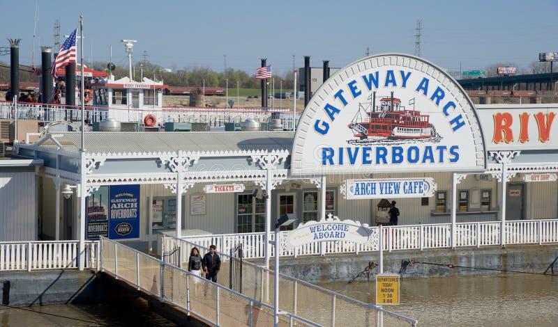 Gateway Arch Riverboat Tours, Downtown St. Louis Missouri stock photo