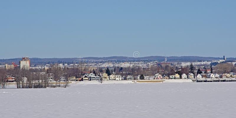 Gatineau mieszkaniowy sąsiedztwo na bulwarze Ottawa rzeka w zimie zdjęcie royalty free