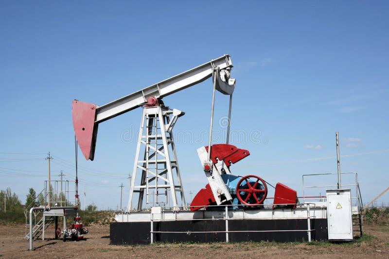 Gato de la bomba de petróleo. fotografía de archivo