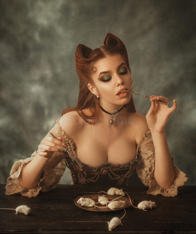 Gato y ratón de la mujer de la fantasía fotos de archivo libres de regalías