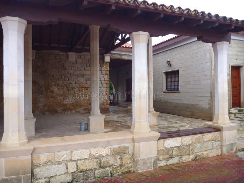 Gaton för klosteragiosnicolaos ton i episkopi i Cypern royaltyfri foto