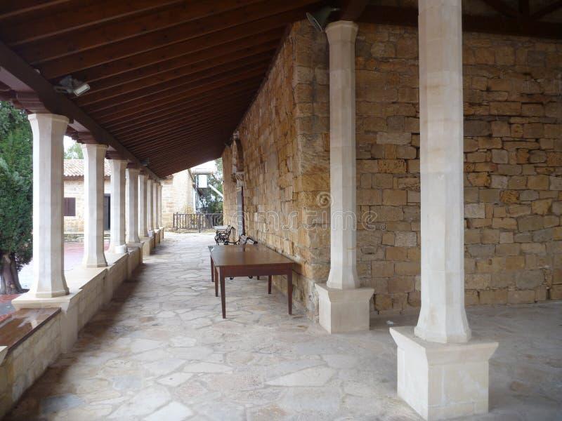 Gaton för klosteragiosnicolaos ton i episkopi i Cypern arkivbilder