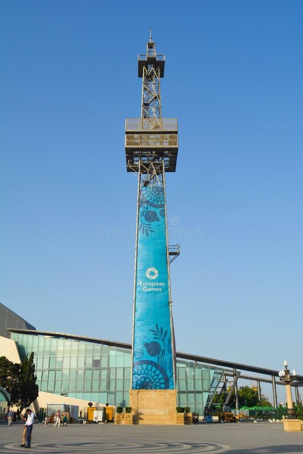 Gator av Baku, den 1st europén spelar i Baku, hoppa fallskärm tornet på invallningen royaltyfria bilder