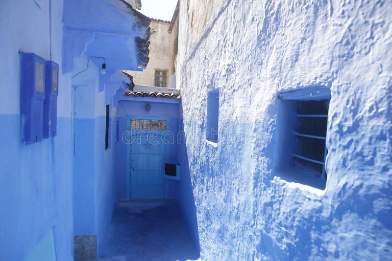 Gator av Chefchaouen Marocko royaltyfri fotografi