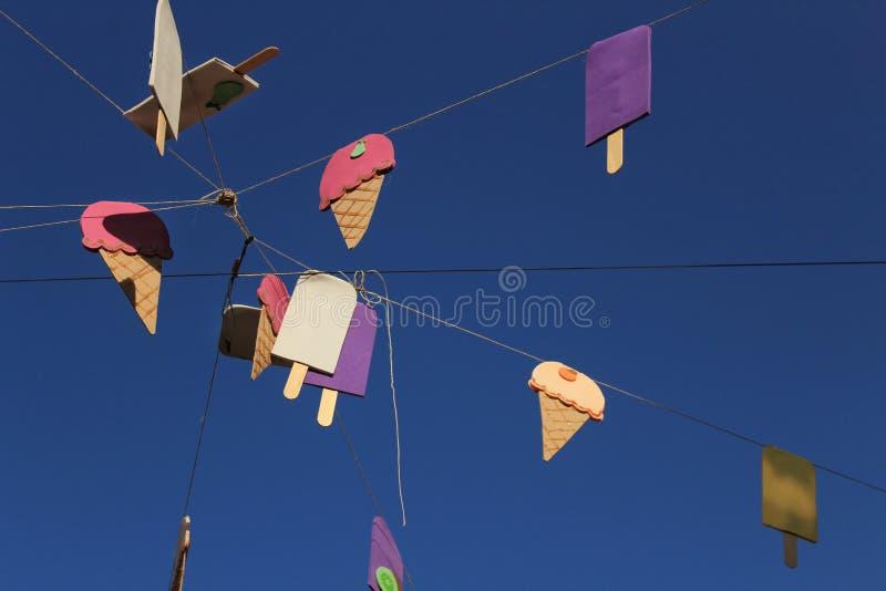 Gator av den Tabarca ön i Alicante smyckade vid festligheten royaltyfria foton