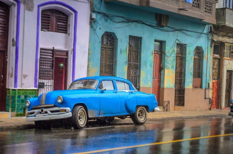 Gator av gamla Havanna efter regnet, historiska fjärdedelar arkivfoto