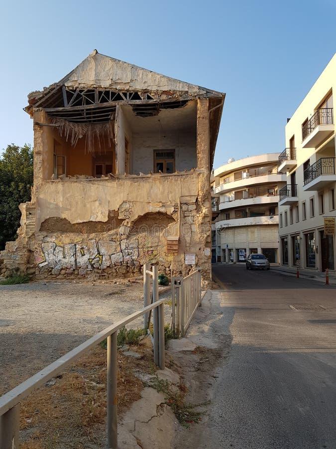 Gator av Larnaca, Cypern royaltyfria bilder