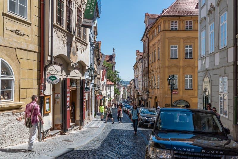 Gator av Mala Strana, Prague arkivbilder