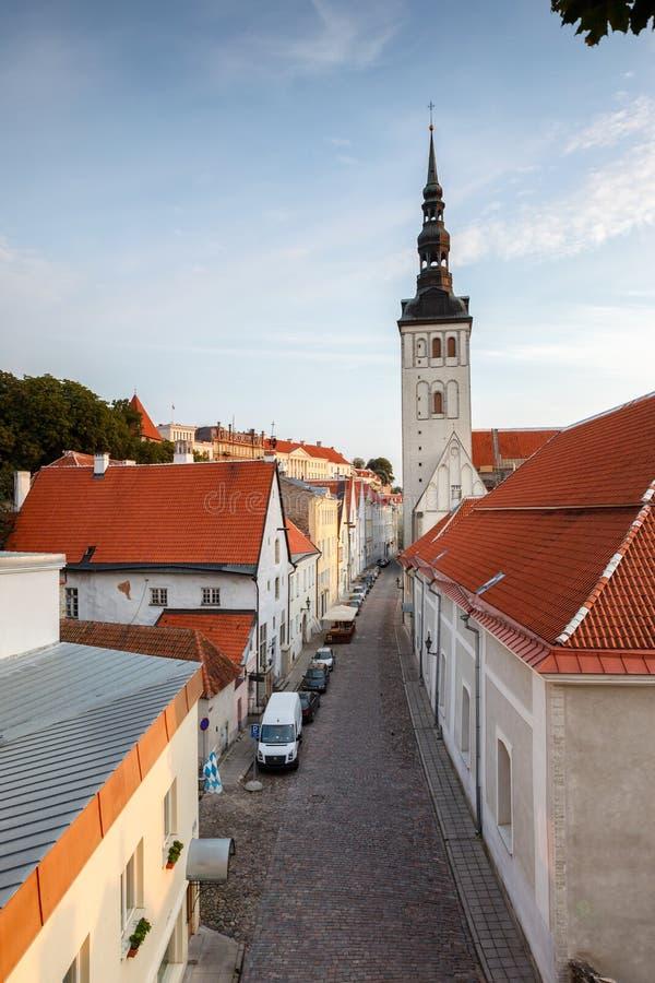 Gator av Tallinn, Estland royaltyfria bilder