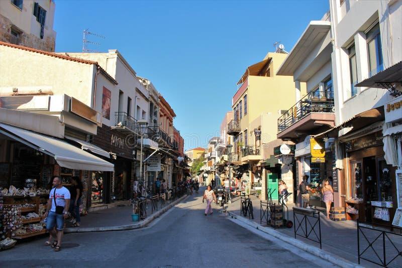 Gator i den härliga staden av Chania i Kreta royaltyfria bilder