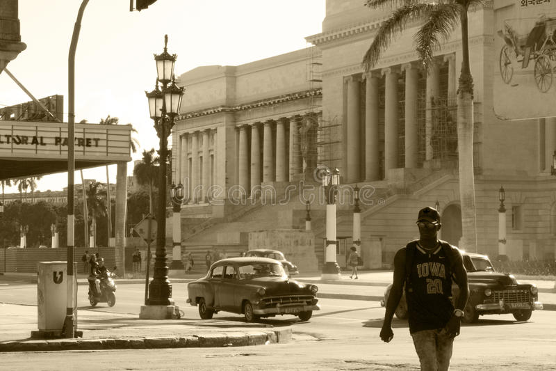 Gator i stadshavannacigarren, den verkliga Kuban royaltyfria foton