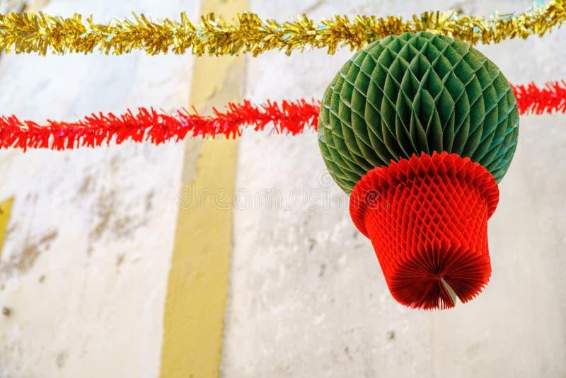 Gator smyckade med girlander för festligheter av helgonet Antho fotografering för bildbyråer