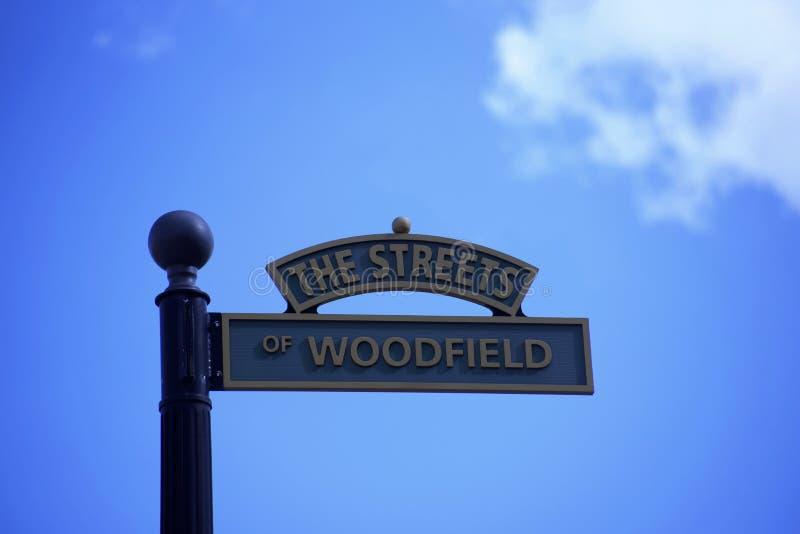 Gatorna av Woodfield, Schaumburg, IL fotografering för bildbyråer