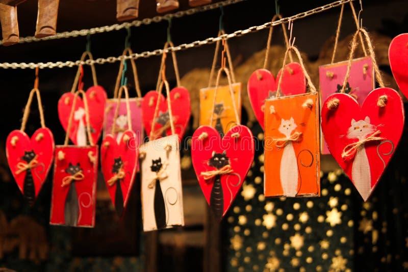 Gatos pintados decorativos de la Navidad imagen de archivo libre de regalías