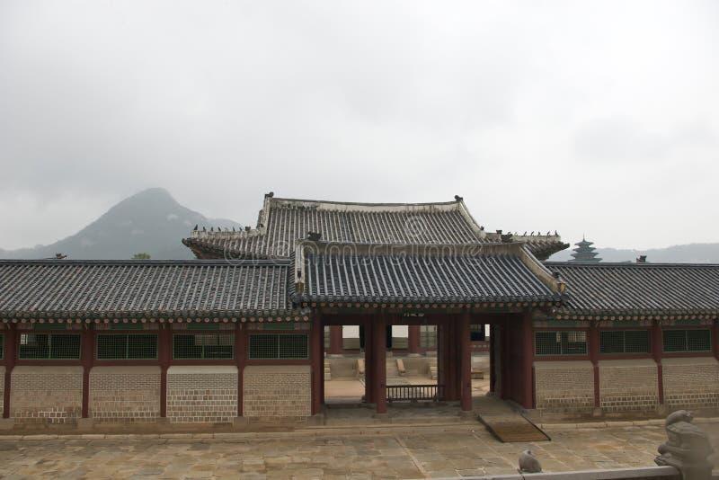 Gatter im Changdeokgung Palast lizenzfreie stockfotografie