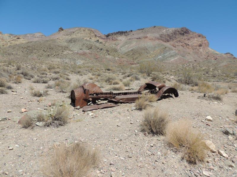 Gauche dans le désert image stock