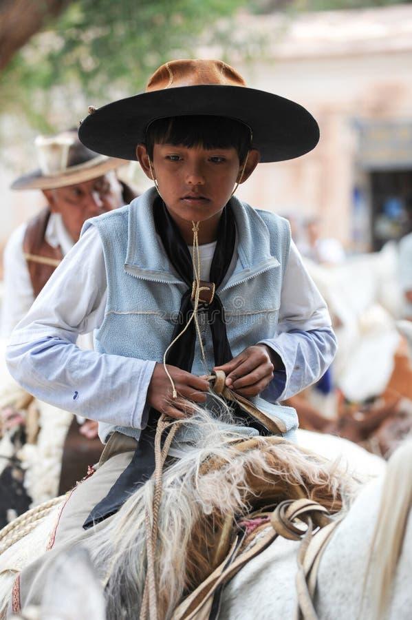 Gauchos på traditionell festival i Purmamarca, landskap Jujuy royaltyfri foto