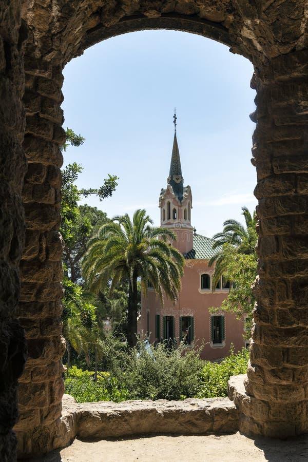 Gaudihuis in park Guell stock afbeeldingen
