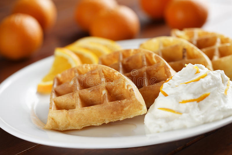 Gaufres oranges de fruit images libres de droits