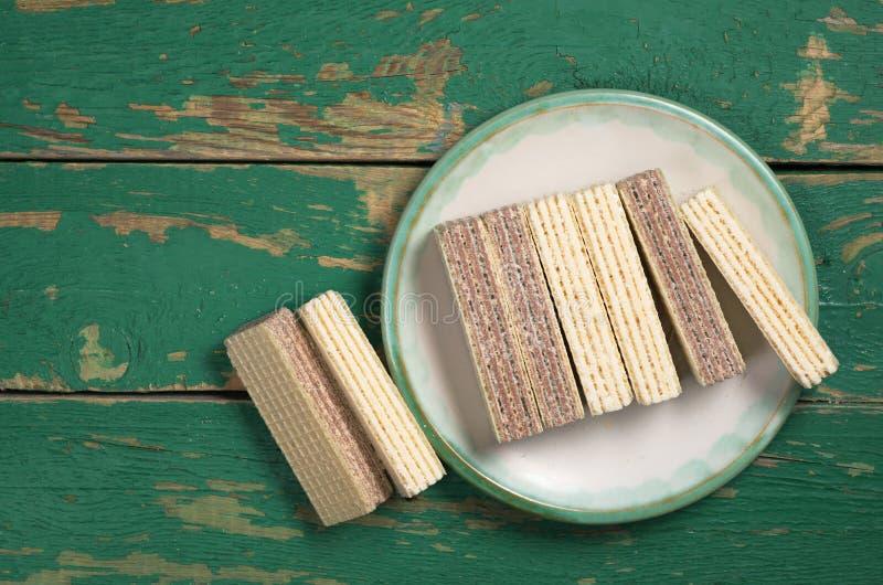Gaufrettes avec du chocolat et la vanille image libre de droits