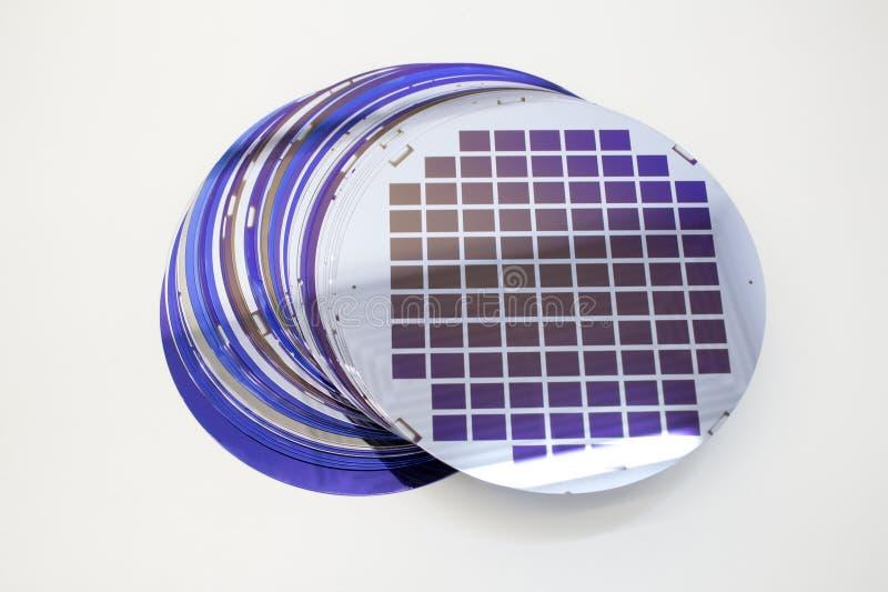Gaufrettes de silicium de couleur diff?rente en stock images libres de droits