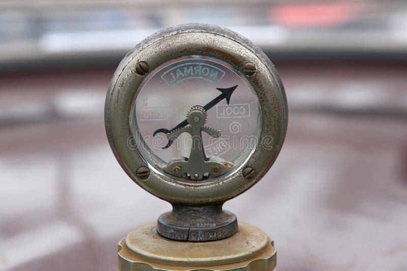 gaugetemperaturtappning arkivfoton