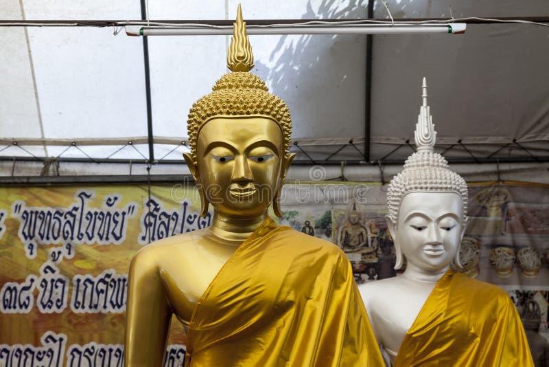 Gautama Buddha met lange oorkwabben royalty-vrije stock fotografie