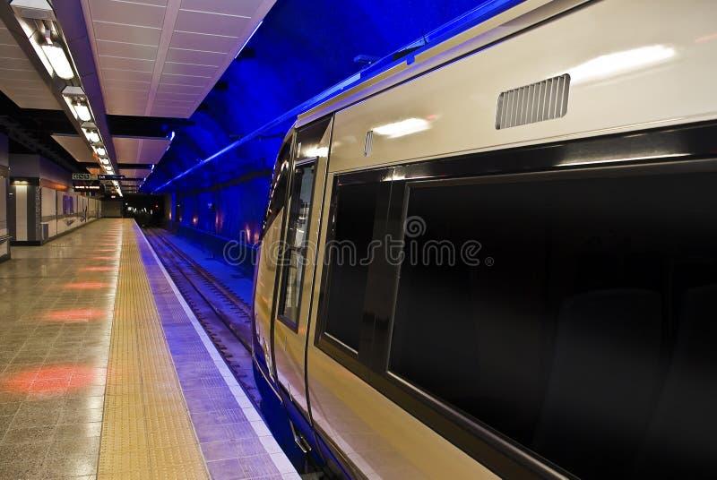 Gautrain - curso do trilho de alta velocidade para África foto de stock royalty free