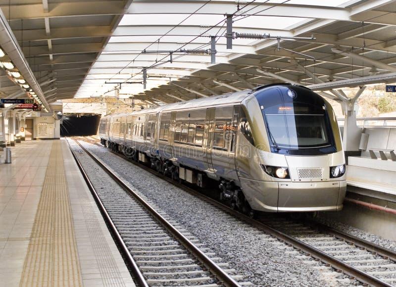 Gautrain - HochgeschwindigkeitsNahverkehrszug stockfoto