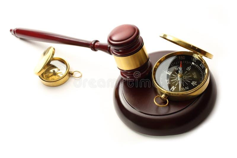 Gavel και πυξίδα δικαστή στοκ φωτογραφίες