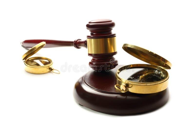 Gavel και πυξίδα δικαστή στοκ εικόνες με δικαίωμα ελεύθερης χρήσης