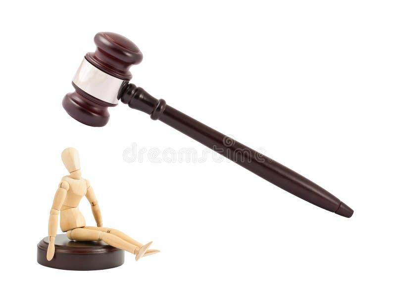 Gavel dos juizes e mannequin de madeira imagens de stock royalty free
