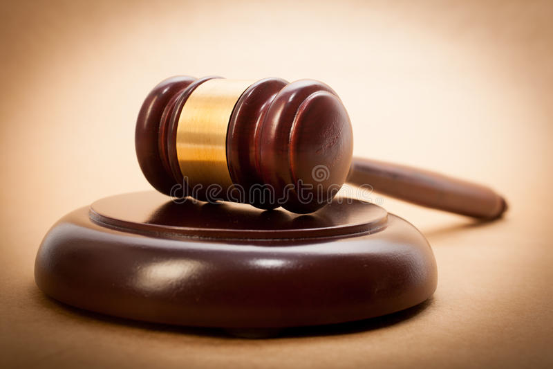 Gavel e Soundboard do juiz imagem de stock